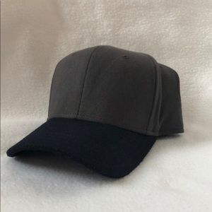 NWOT Gents Director's Baseball Cap - Gray